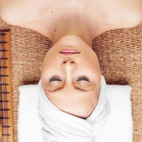 Ruhe und Entspannung bei jeder professionellen Kosmetikbehandlung von La Cosmetique in Fürth bei Nürnberg