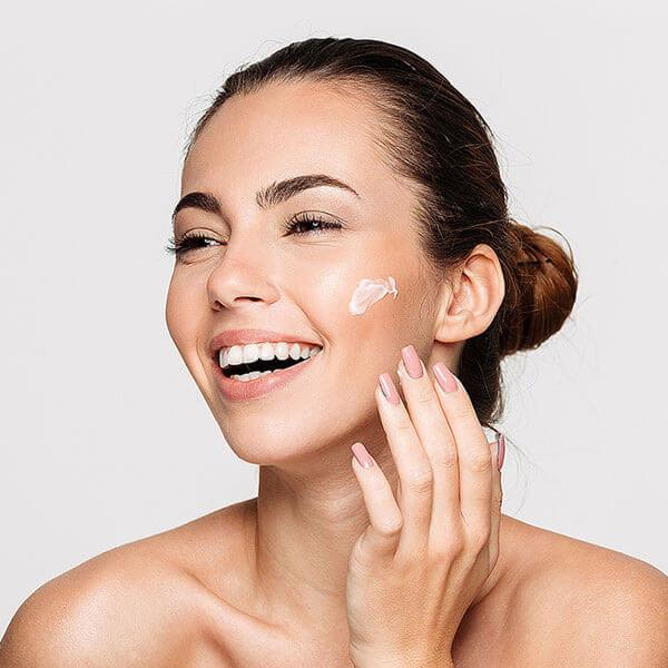La Cosmetique – professionelles Kosmetikstudio in Fürth bei Nürnberg – benutzt hochwertige Wirkstoffkosmetik von Dr. Belter Cosmetic